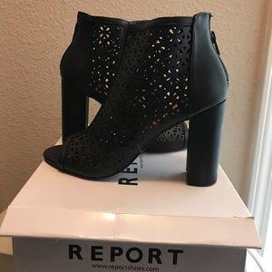 Black Report heel